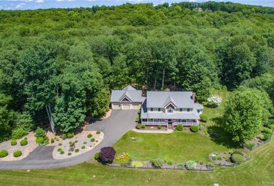 25 Sheffield Lane Avon CT 06001