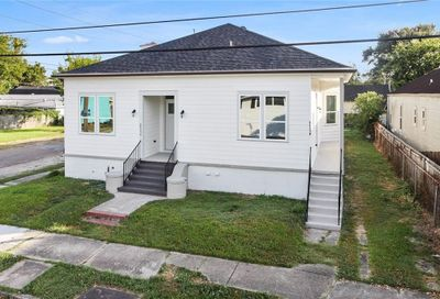 8435  HICKORY Street New Orleans LA 70118
