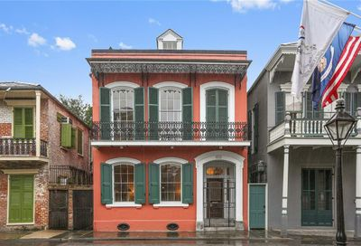 814  SAINT PHILIP Street New Orleans LA 70116