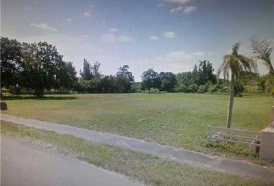 SW 26TH ST Davie FL 33331