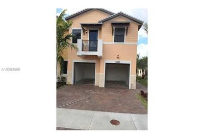 5990 NW 104th Ct   5990 Doral FL 33178