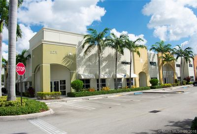 11231 20th St Sweetwater FL 33172