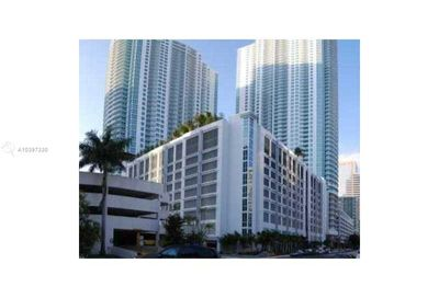 950  BRICKELL BAY DR   5006 Miami FL 33131