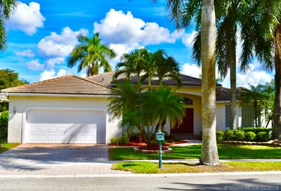 2528  GOLF VIEW DR Weston FL 33327