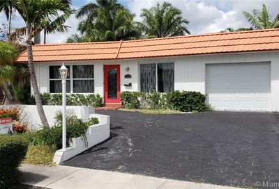 251 SE 11th St Pompano Beach FL 33060