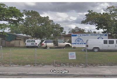 676 NW 32nd St Miami FL 33127
