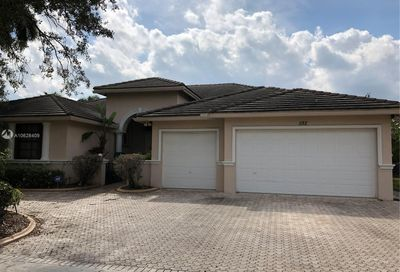 582 159th Dr Pembroke Pines FL 33027