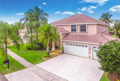 855 SW 174th Ter Pembroke Pines FL 33029
