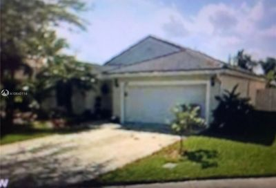 280 NW 166th Ave Pembroke Pines FL 33028