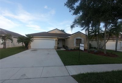 2487 NW 187th Ave Pembroke Pines FL 33029