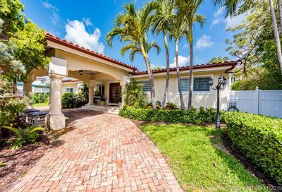 217  Buttonwood Dr Key Biscayne FL 33149