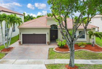 16828 16th St Pembroke Pines FL 33027