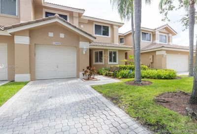 15885 SW 11th St   3-32 Pembroke Pines FL 33027