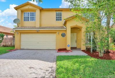 1247 NW 144TH TE Pembroke Pines FL 33028