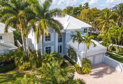 15  Grand Bay Estates Cir Key Biscayne FL 33149