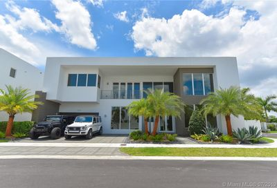 10320 NW 74th Ter Doral FL 33178