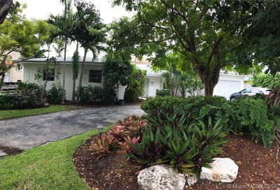216  Buttonwood Key Biscayne FL 33149