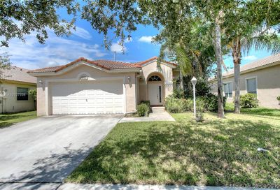1664 NW 144th Way Pembroke Pines FL 33028