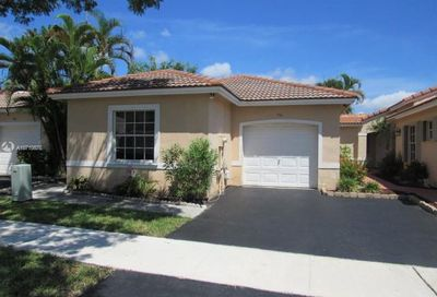936 180th Ter Pembroke Pines FL 33029