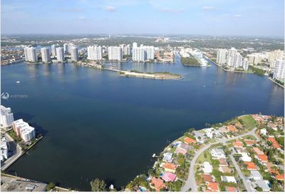 18555  Collins Ave   1703 Sunny Isles Beach FL 33160