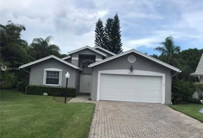 3950 Dafilee Cir West Palm Beach FL 33417