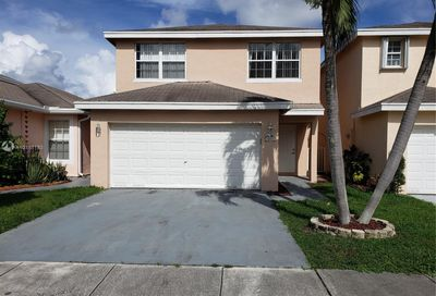 4054  Eastridge Cir Deerfield Beach FL 33064