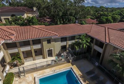 125  Edgewater Dr   4 Coral Gables FL 33133