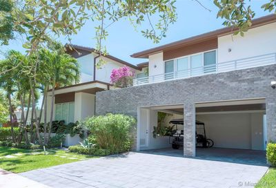 320  Woodcrest Rd Key Biscayne FL 33149