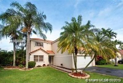 2761  Oak Park Cir Davie FL 33328