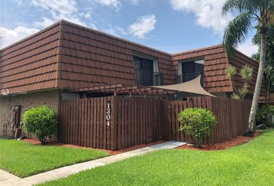 1304 SW 118th Ter Davie FL 33325