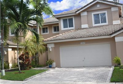 15849 SW 12th St   15849 Pembroke Pines FL 33027