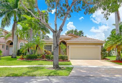 17588 SW 11th St Pembroke Pines FL 33029
