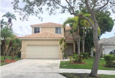 593  Willow Bend Rd Weston FL 33327