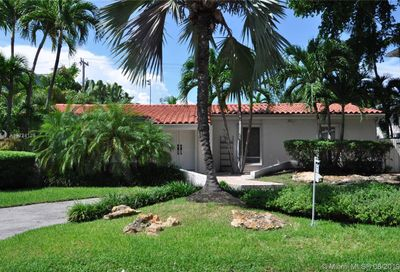 145  Buttonwood Dr Key Biscayne FL 33149