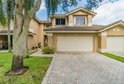 1087 SW 158th Way Pembroke Pines FL 33027