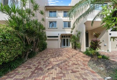 6022  Paradise Point Dr   . Palmetto Bay FL 33157