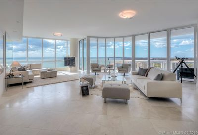 100 S Pointe Dr   2104 Miami Beach FL 33139