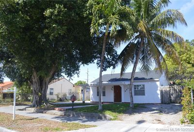 871 NE 4th Pl Hialeah FL 33010