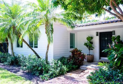 524  Woodcrest Rd Key Biscayne FL 33149