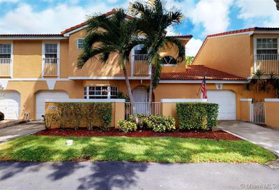 11339  Lakeview Dr   4O Coral Springs FL 33071