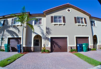 8883 SW 219th Ter Cutler Bay FL 33190