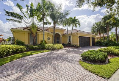 5058  Lakewood Dr Cooper City FL 33330