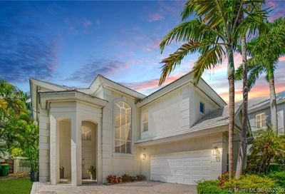 17  GRAND BAY ESTATES CR Key Biscayne FL 33149