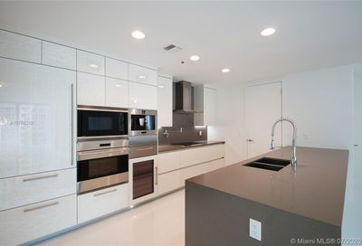 17475  Collins Ave   903 Sunny Isles Beach FL 33160