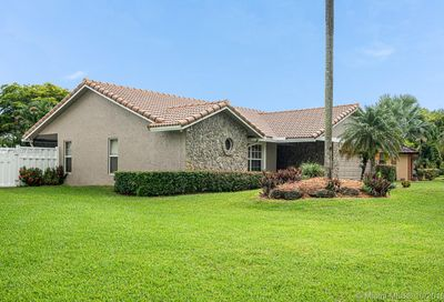 2515 NW 88th Ter Coral Springs FL 33065