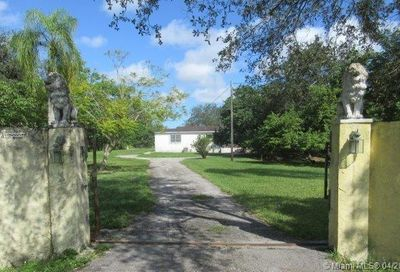23825 SW 142nd Ave Homestead FL 33032