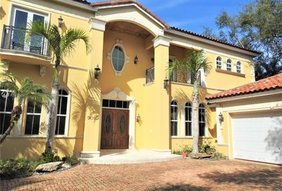 9010 SW 68th Ave Pinecrest FL 33156