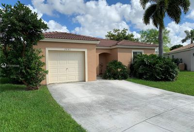 2001 SW 104th Ave Miramar FL 33025