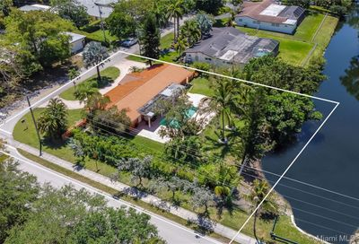10400 SW 70th Ave   - Pinecrest FL 33156