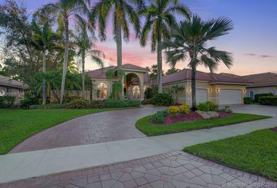 2484  Princeton Ct Weston FL 33327